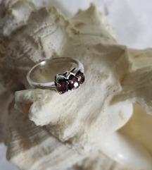%%% SNIŽENO! Vintage prsten od srebra i granata