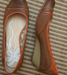 cipele na petu broj 37