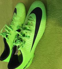 Nove Nike kopačke br.40.5