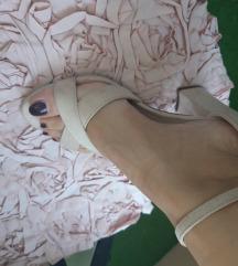 Než sandale br 37