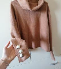 Zara hit pulover s gumbima S