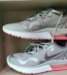 Nike tenisice novo 37