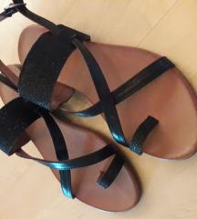 %%Kožne sandale