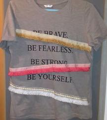 Majica s tekstom - kao nova!