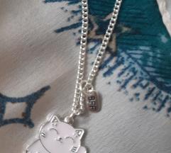 Ogrlica s privjeskom roza mačke