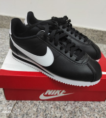 Nike Cortez crne patike