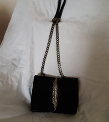 Mala crna torbica Zara
