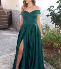 Smaragdno zelena haljina sa prorezom