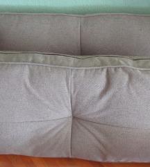 Velike i male navlake za jastuke