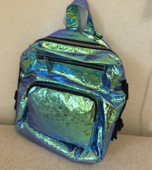 % Zara holografski ruksak metalik