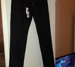 Nove crne hlače - s etiketom