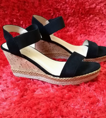 crne wedges sandale