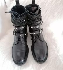 Nove Zara čizme 39