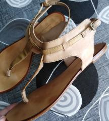 Zara sandale .... prava koža