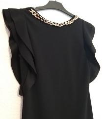 Uska crna haljina s volanima