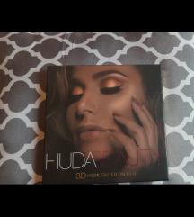 Huda beauty higlighter paleta