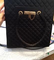 Nova crna veća torba