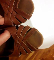 Smeđe ravne sandale otvorenih prstiju, 39
