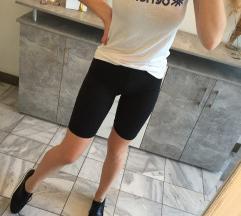 Prilika majica,hlače,tenisice