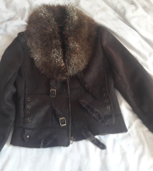 Smeđa jakna s krznom %%%