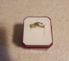 Zlatni prsten 585 sa cirkonima-sniženo%