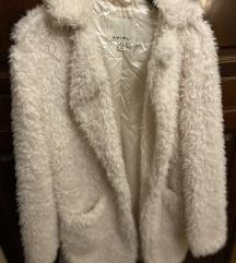 Bijeli krzneni kaputić