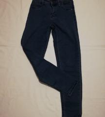 Bershka rastezljive skinny hlače vl.38