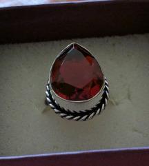 Unikat srebreni prsten sa poludragim kamenom