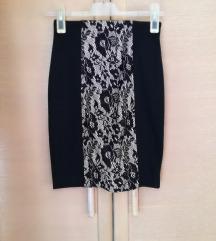 Crna suknja sa čipkastim detaljima 34