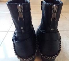 Nove crne biker čizme s lancima