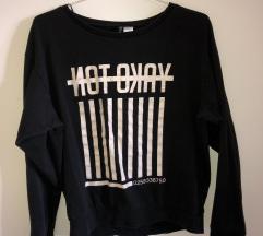 H&M majica s natpisom