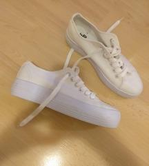 Bijele tenisice novo