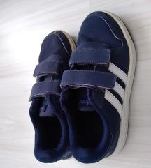 Adidas tenesice 34