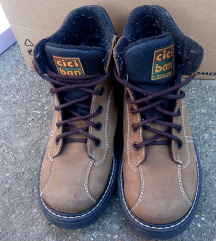 Zimske cipele za dječake br 33