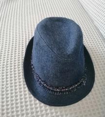 Zara traper šeširić
