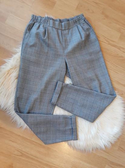 Bershka karirane hlače