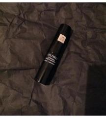 Shiseido korektor 44 medium Novo