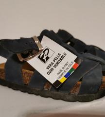 Sandale br. 23