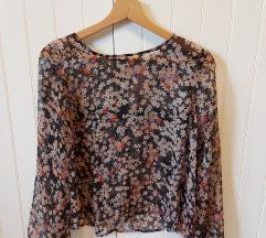 Cvjetna bluza