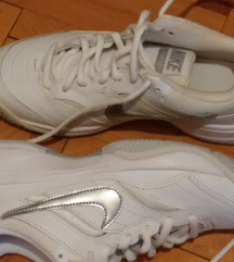 %%%Nike 38 NOVO danas 200 kn