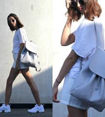 Zara sivi minimalistički ruksak