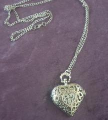 Ogrlica sat u obliku srca