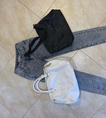 Hlače plus dvije torbe