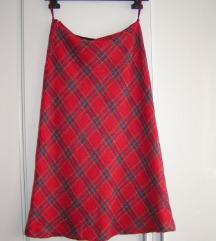 zimska karirana suknja