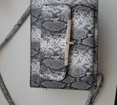 Primark torbica zmijskog uzorka