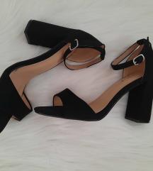 NOVO! Crne sandale na petu