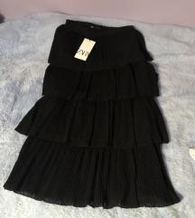 % Zara crna duga plisirana suknja s volanima XS