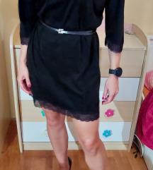 Crna haljinica sa čipkom
