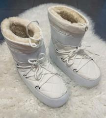 Bijele čizme/ buce
