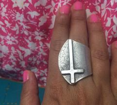 Prsten križ